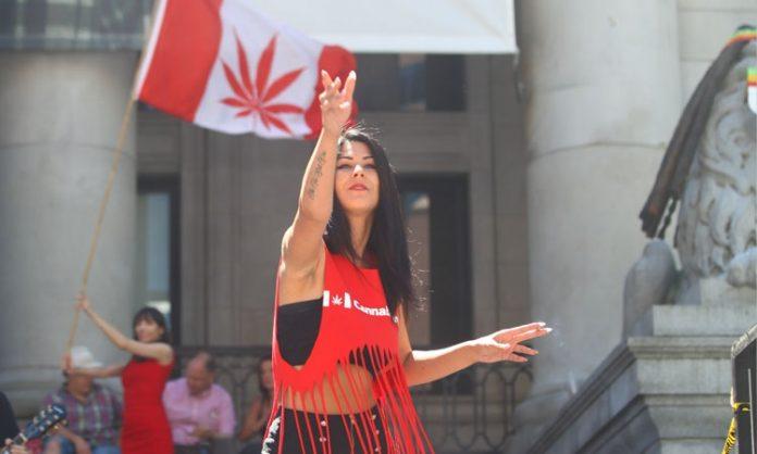 Cannabisaktivistin in Kanada